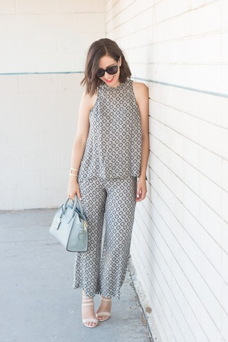 adventures in fashion blogger sunglasses pattern office outfits blue bag pastel bag top pants shoes bag jewels