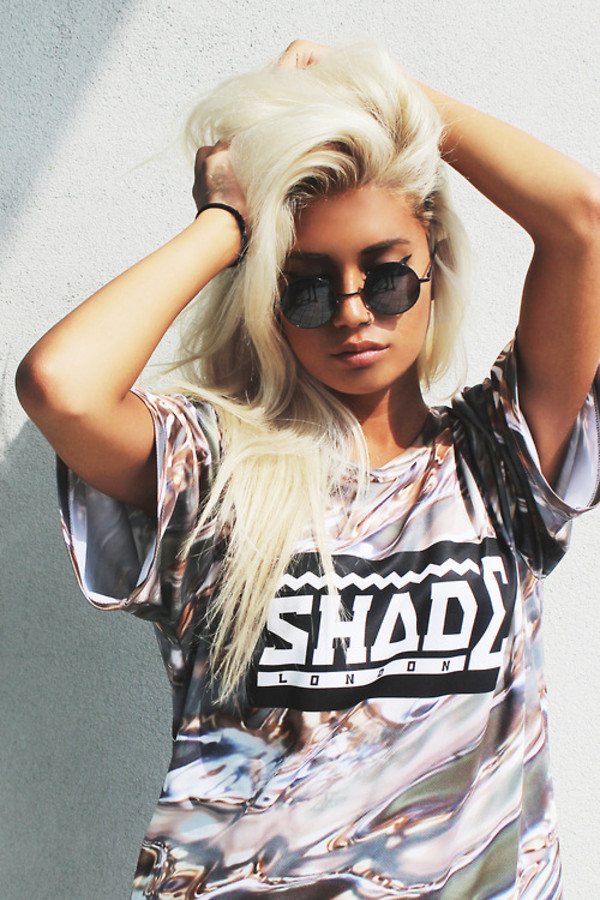 t-shirt sunglasses