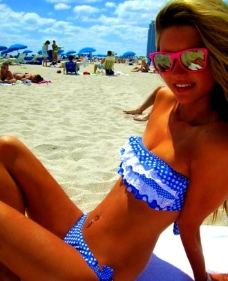 swimwear bandeau bikini bandeau ruffle bandeau bikini blue and white polka dots polka dot bikini bikini summer outfits beach blue white blue ruffles polkadot
