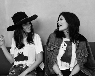top t-shirt kendall and kylie jenner kendall jenner kylie jenner hat jacket kendall + kylie label black and white white t-shirt printed t-shirt denim jacket black hat
