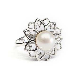 jewels pearl ring floral