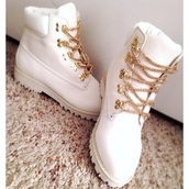 shoes,white,gold chain,timberlans