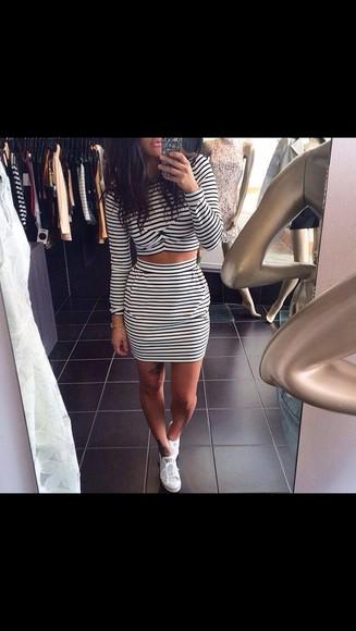 top stripes crop tops skirt