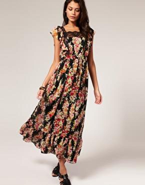 Robe longue ã fleurs bordã©e de dentelle chez asos