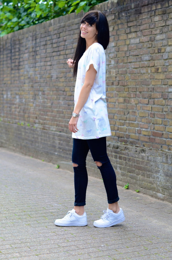 lovely by lucy t-shirt jeans jewels