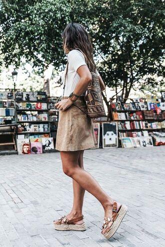 bag woven backpack backpack skirt suede skirt camel suede skirt mini skirt camel skirt t-shirt white t-shirt sandals platform sandals jeweled sandals