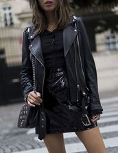 skirt,tumblr,vinyl,vinyl skirt,mini skirt,black skirt,top,black top,jacket,black jacket,black leather jacket,leather jacket,bag,black bag,all black everything,studded bag,date outfit,song of style,blogger