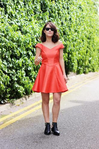 the little magpie dress shoes sunglasses