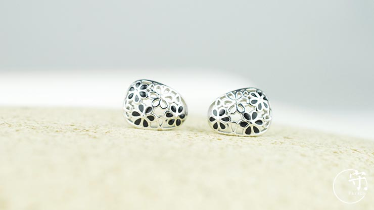 Handmade Hollow Out Flowers Kiss Painting Women 925 Silver Earrings - Wishbop.com