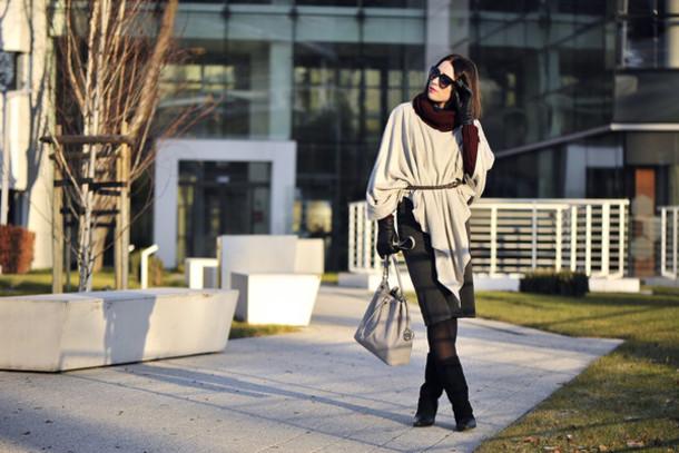shiny sil blogger sweater shoes bag tights gloves belt sunglasses skirt make-up