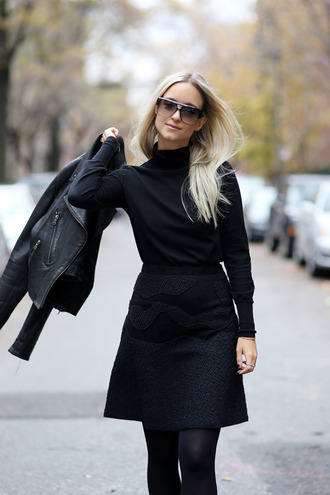 the fashion guitar blogger black jacket black leather jacket