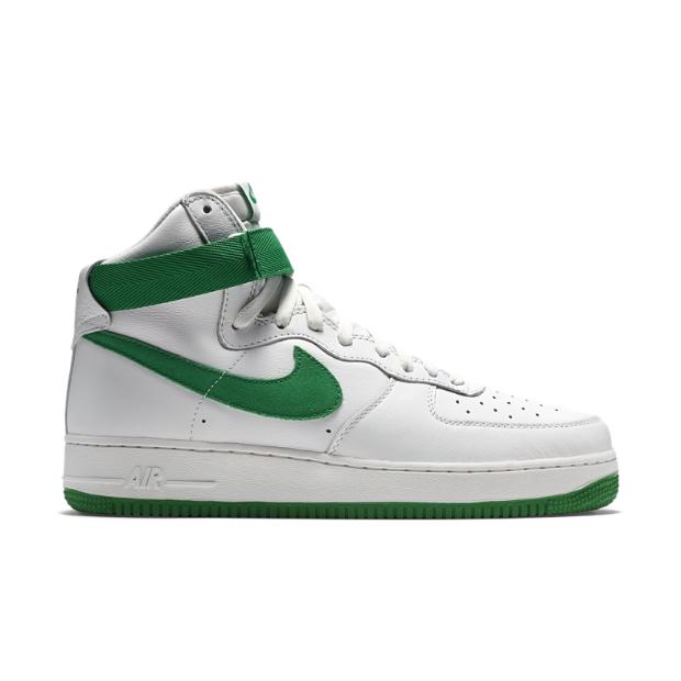 The Nike Air Force 1 High Retro QS Men's Shoe.