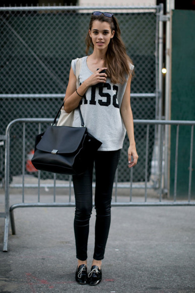 pants t-shirt handbag bag black bag black handbag shoes