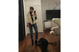 man repeller blogger jewels bag sweater jacket