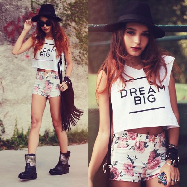 shirt crop tops flowered shorts floral flowers roses pretty dream dream big High waisted shorts purse fringes combat boots boots shoes white black and white quote on it quote on it studs outfit t-shirt studded shoes shorts tank top teenagers indie fedora shades sleeveless bag hat