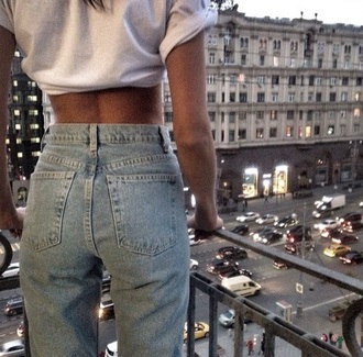 jeans blue jeans 90s jeans high waisted jeans 90s style washed jeans t-shirt mom jeans 70s style 60s style pants blue lovely old school style fashion musthave musthaves wow earphones high top white wash