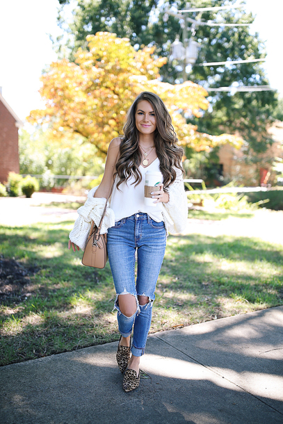 southern curls and pearls blogger cardigan tank top jeans shoes bag jewels make-up