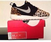 shoes,nike roshes cheetah