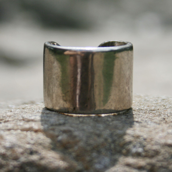 Knuckleduster rings