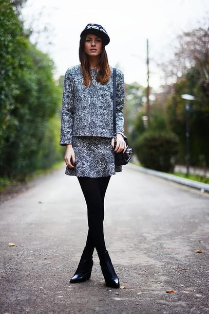 fashion vibe t-shirt hat skirt bag shoes jewels