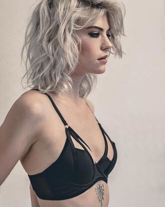 underwear lingerie fashion bra black sexy hot cute bralette top women model clothes style outfit date outfit wolf