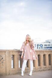 pearls&twirl,blogger,sweater,jeans,shoes,spring outfits,pink sweater,booties