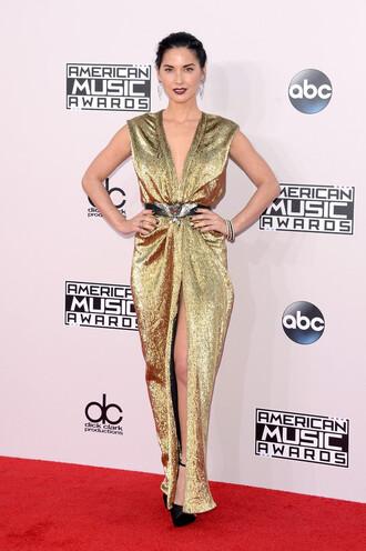 dress gown prom dress american music awards gold metallic olivia munn