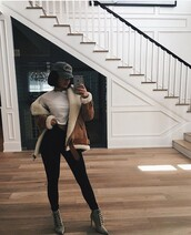 coat,brown coat,shearling jacket,shearling,brown jacket,brown shearling jacket,crop tops,white crop tops,white top,cap,black leggings,leggings,pointed boots,grey boots,boots,jacket,kylie jenner