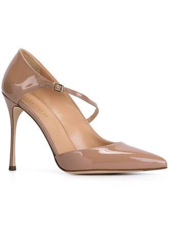 pumps nude shoes