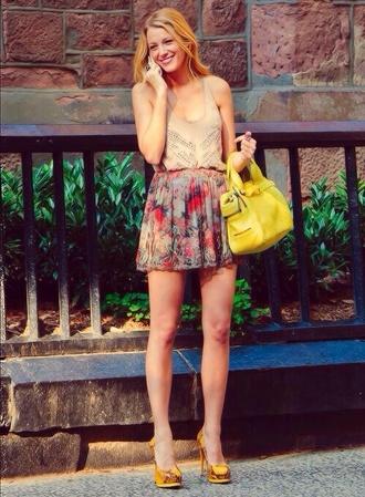 blake lively gossip girl skirt