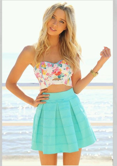 tank top blue white pink floral shirt crop tops corset summer green beach blonde yellow floral tank top pretty skirt turquoise