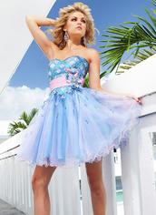 dress,lovely blue color,natural waistline and sweetheart neckline
