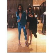 shoes,kendall and kylie jenner,kylie jenner,kendall jenner,jacket,pants,skirt,blazer,dress
