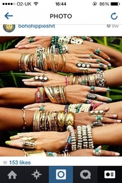 jewels,so,many,indie,note,like,necklace,bracelets,ring,boho,bohemian,summer,wave,blonde hair,tanned,tan