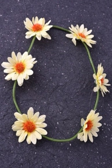 hat flower crown daisies