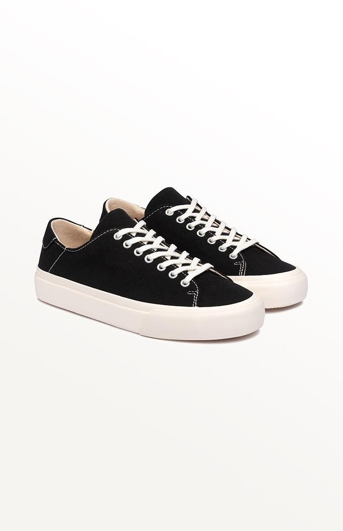 Baan Canvas Sneaker - Black/White (WMC Exclusive)