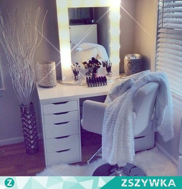 Broadway lighted vanity mirror mozeypictures Choice Image
