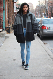 babes in velvet,blogger,winter coat,sneakers,skinny jeans,jacket,jeans,sweater,shoes