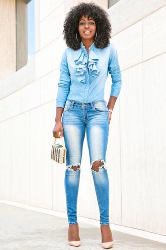 blogger shirt jeans bag shoes ripped jeans skinny jeans blue top mini bag black girls killin it