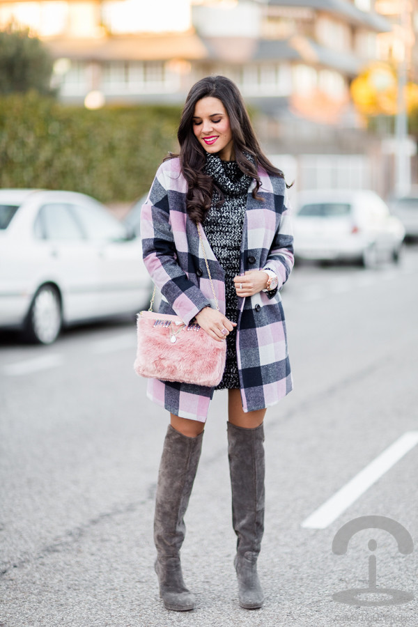 crimenes de la moda blogger coat bag thigh high boots sweater dress