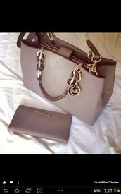bag,micheal kors bag,michael kors,luxury,rose gold,hangbag,grey,michael kors bag,purse,wallet