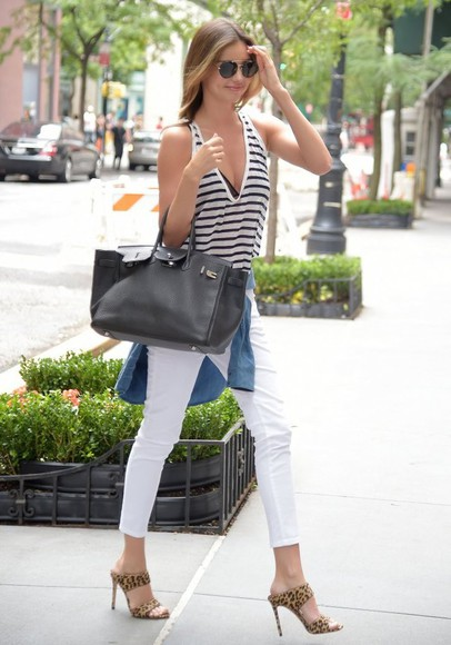 white pants high heels top sunglasses summer outfits shoes miranda kerr stripes animal print bag classy streetstyle tank top denim shirt