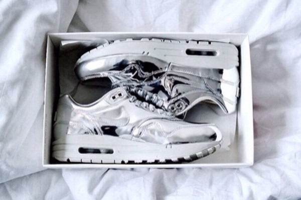 shoes silver nike nike nike air air max nike sneakers sneakers