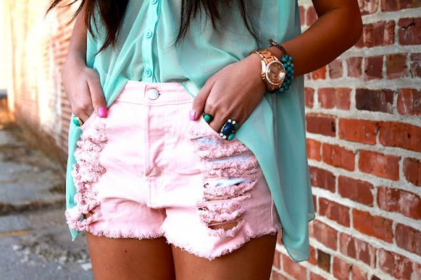 shorts blouse jewels watch ring bracelets