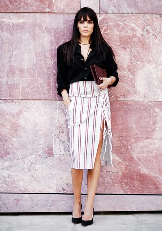 skirt tumblr tumblr outfit striped skirt red striped skirt black shirt shirt black pumps pumps clutch leather clutch altuzarra altuzarra skirt martin margiela the row clutch style heroine the row jewels jewelry black heels mason martin margiela jewerly ring apriati
