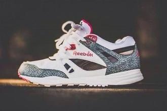 white pink reebok sneakers