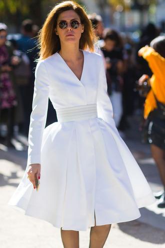 dress fashion week street style fashion week 2016 fashion week paris fashion week 2016 white dress midi dress a line dress long sleeves long sleeve dress v neck v neck dress sunglasses streetstyle spring