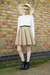 stella's wardrobe,blogger,jewels,felt hat,flare skirt,belt,shirt,off-white