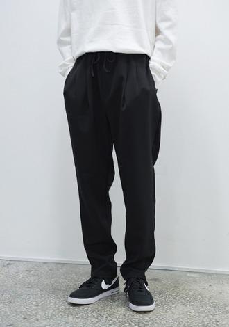 pants nike white black shirt drawstring summer outfit menswear