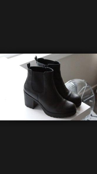 shoes black heels little black boots boots